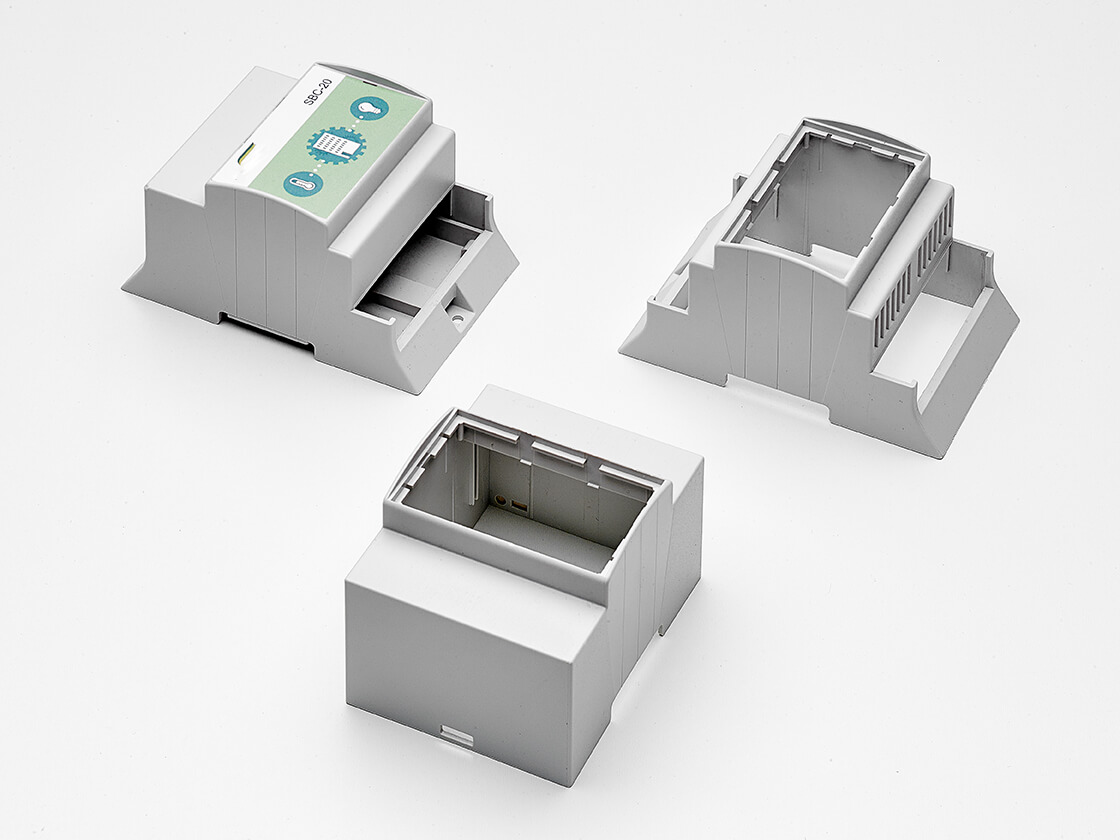 Adaptable Box With Din Rail